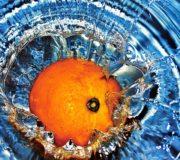 Wasserverbrauch virtuelles Wasser orange Spritzen