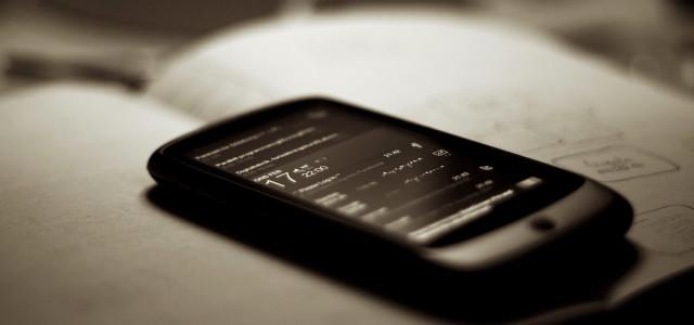 """Können Smartphones sich dank Solar-Displays bald selbst laden? (Foto: """"Slidescreen"""" von Johan Larsson unter CC-BY-2.0)"""