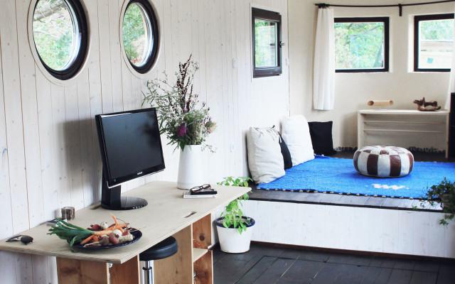 Energieautark, minimalistisch: Einblicke in den Wohnwagon
