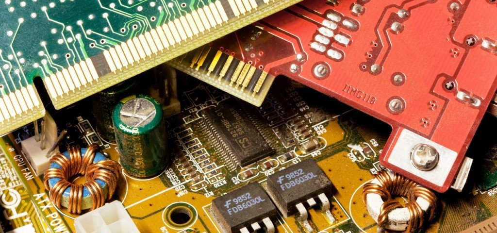 Elektroschrott muß sachgerecht entsorgt werden, sagt das Elektrogesetz