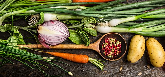 Minimalistischer leben: Koche selber mit frischen Zutaten