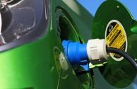 Elektroautos: Rohstoffe für Magneten und Akkus werden knapp