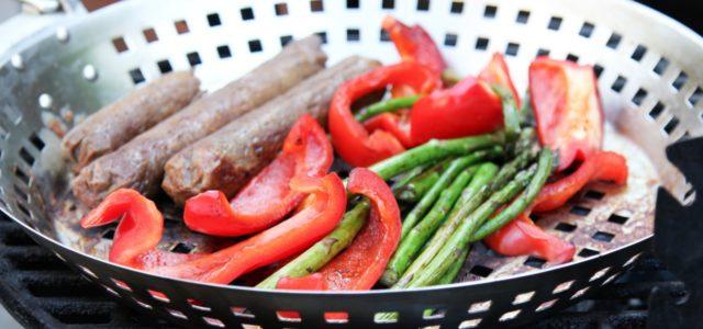 Vegetarisch Grillen, Gemüse und Seitan Wurst