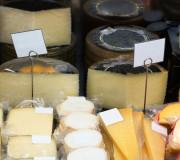 Abgepackt vs. Frischetheke: Wo soll ich Käse und Wurst kaufen?