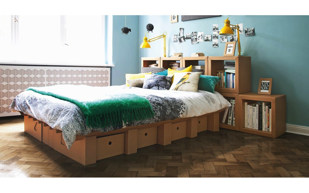 m bel aus pappe vom bett bis zum b cherregal. Black Bedroom Furniture Sets. Home Design Ideas