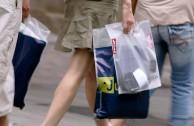 Die kostenlose Plastiktüte wird zum Auslaufmodell
