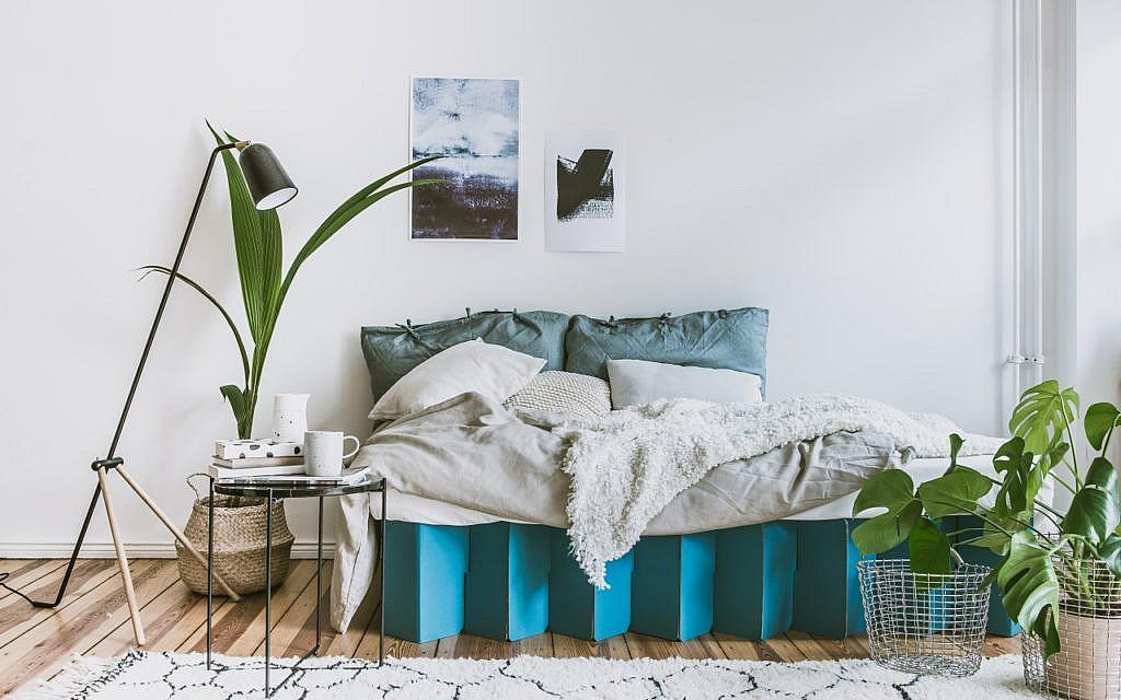 Das 90-Euro-Bett aus Pappe: Room in a Box - Utopia.de