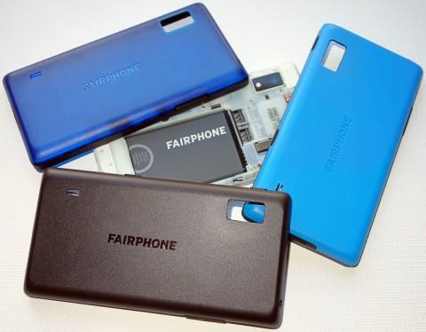 Die farbigen Rückteile für das Fairphone 2