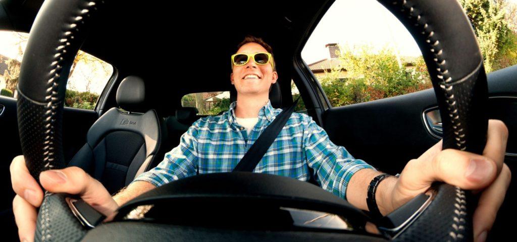 Erkundige dich über den Fahrer der Mitfahrgelegenheit