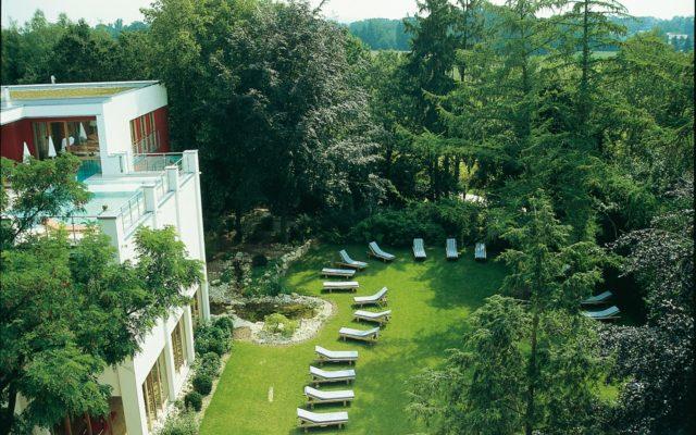 die 12 sch nsten biohotels in deutschland europa. Black Bedroom Furniture Sets. Home Design Ideas