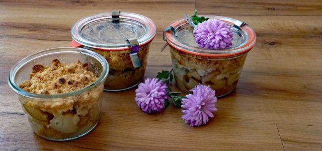 Kuchen im Glas: Rezept für Apfel-Birnen-Crumble