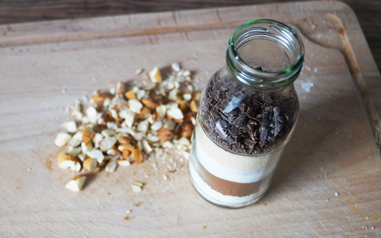 Geschenke selber machen brownie backmischung im glas for Fotogeschenke selber machen