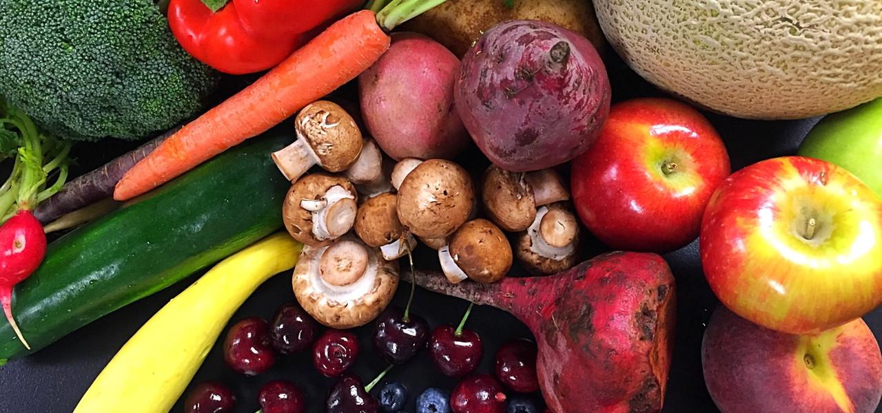 Für ausreichend Vitamine: 5 Hände voll Obst und Gemüse am Tag