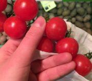 Verpackungsfrei einkaufen, Stoffbeutel Tomate, Biomarkt