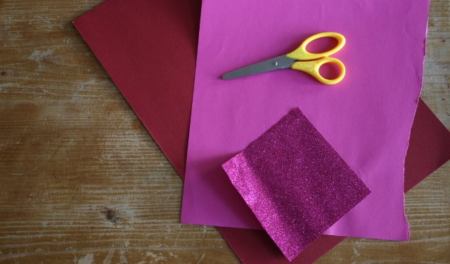 lesezeichen selber basteln diy origami lesezeichen aus papier. Black Bedroom Furniture Sets. Home Design Ideas