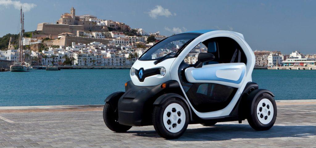 Renault Twizy: die Türen haben keine Fenster, Deflektoren sorgen dafür, dass kein Regen ins Innere gelangt.