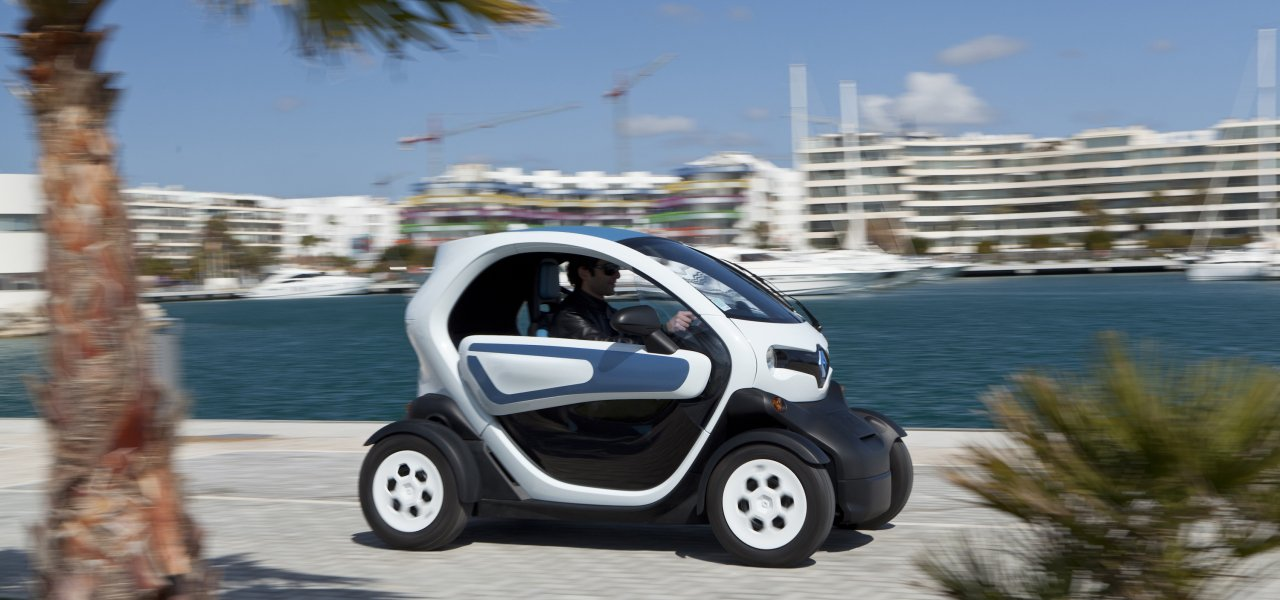 renault twizy das erstaunliche beinahe elektroauto. Black Bedroom Furniture Sets. Home Design Ideas