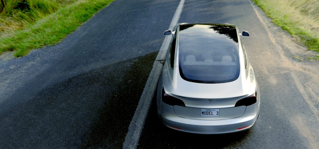 Tesla 3: optional mit Panorama-Glasdach
