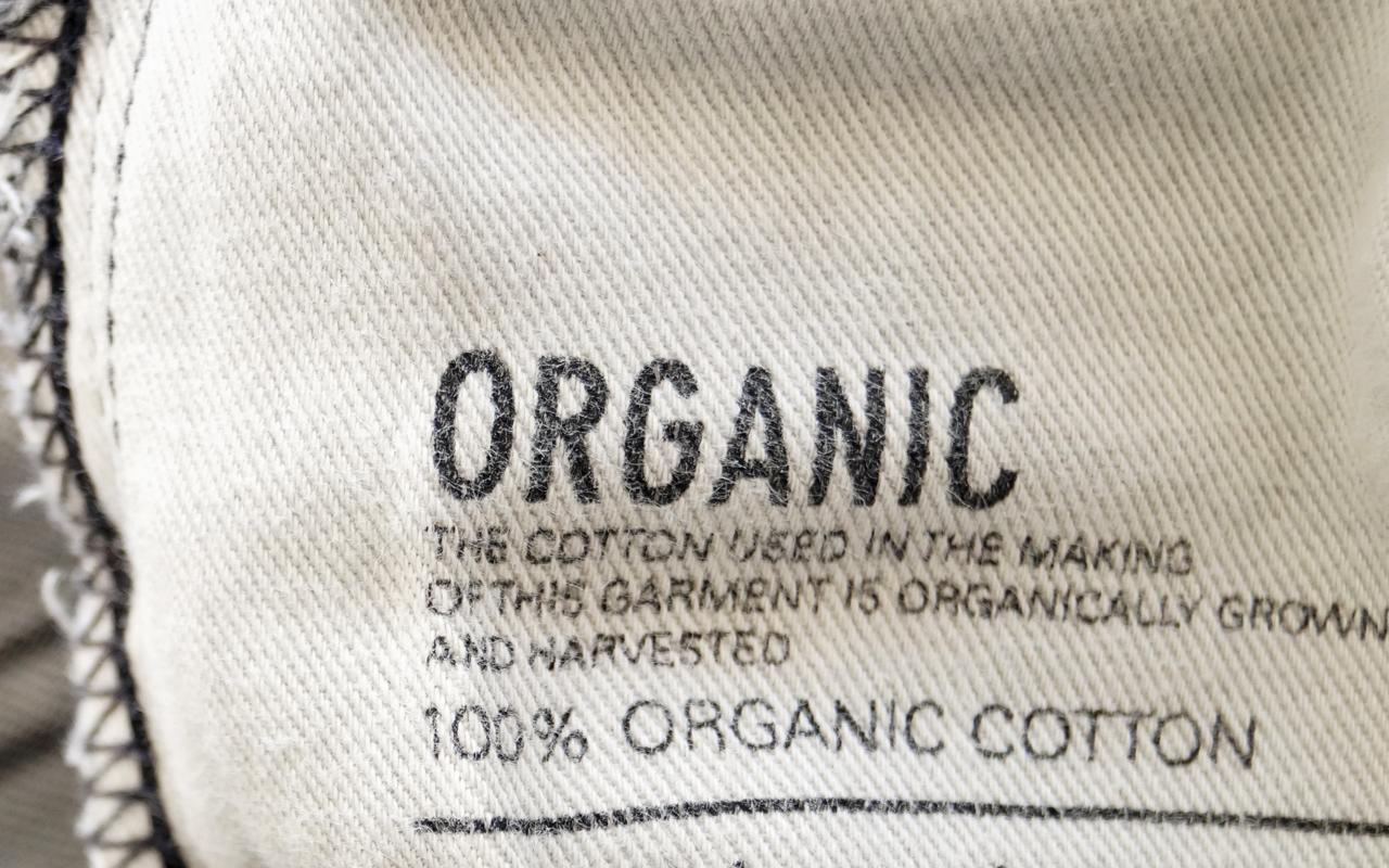 Mikroplastik-Tipps: Kleidung aus Baumwolle kaufen