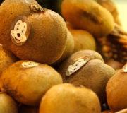 Krumme Kiwi: Supermarkt soll Strafe zahlen