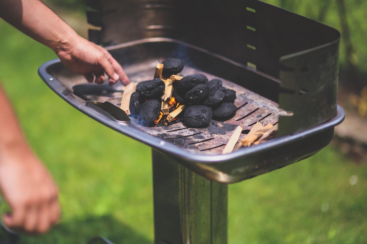 grill und kaminanz nder selber machen so geht 39 s. Black Bedroom Furniture Sets. Home Design Ideas