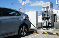 Elektroauto-Ladestationen: bessere Tankstellen-Infrastruktur für Langstrecken
