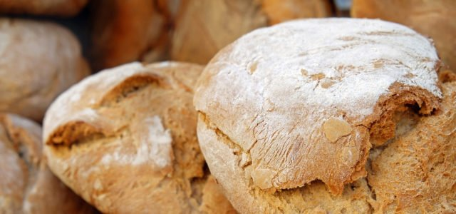 Lebensmittelverschwendung entgegentreten mit der richtigen Lagerung von Brot und Brötchen