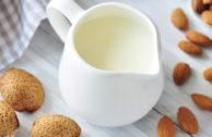 Mandelmilch selber machen: ein Schnell-Rezept