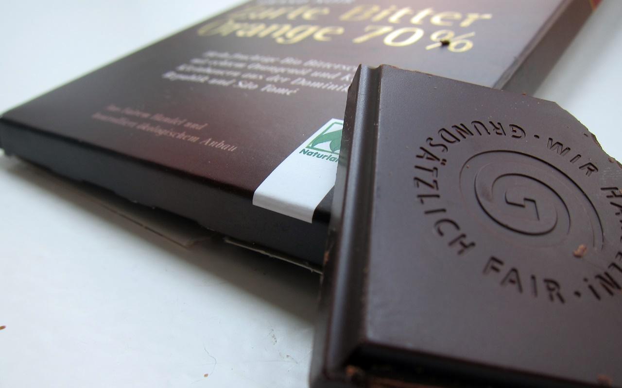 vegane schokolade im test diese 9 produkte haben wir getestet. Black Bedroom Furniture Sets. Home Design Ideas