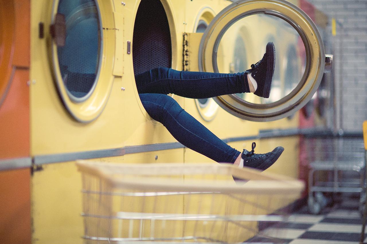 Warum Stinkt Waschmaschine stinkende waschmaschine reinigen so geht s mit hausmitteln utopia de