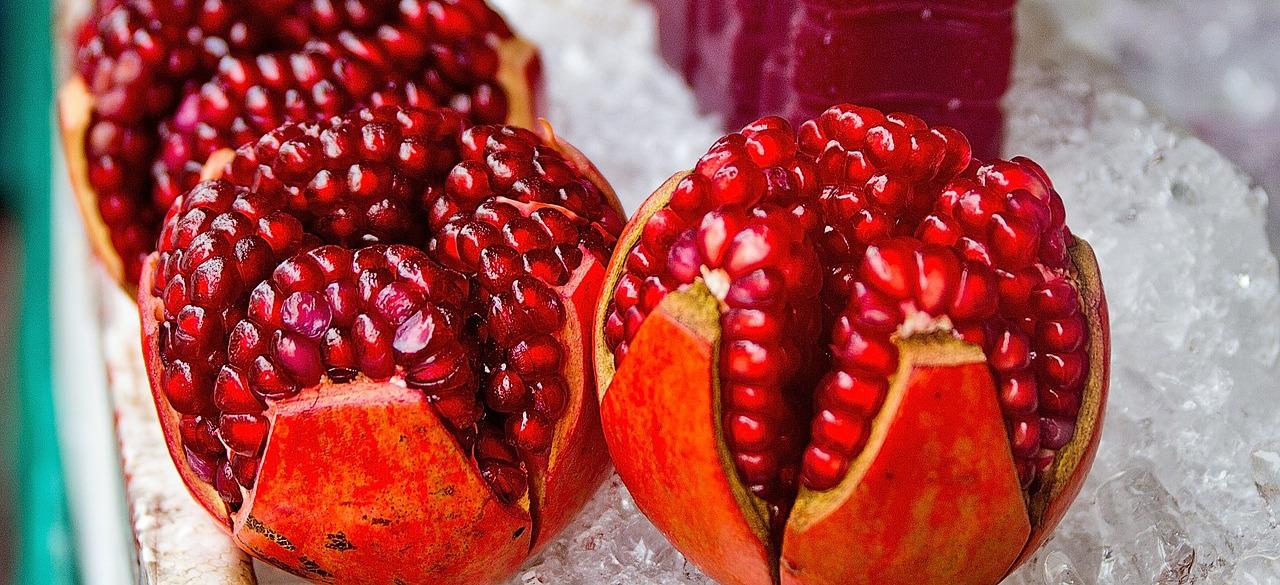 Granatapfel, geschält