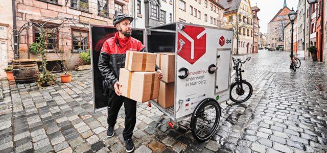 Memo Paketzustellung Elektro Lasten-Fahrrad DPD