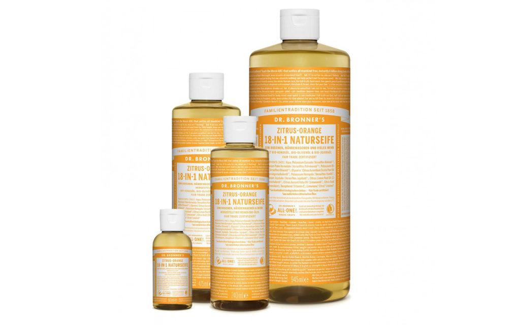Die 18-in1-Seife von Dr. Bronner's enthält bio-faires Palmöl vom dafür gegründeten Palmölproduzenten Serendipalm in Ghana.
