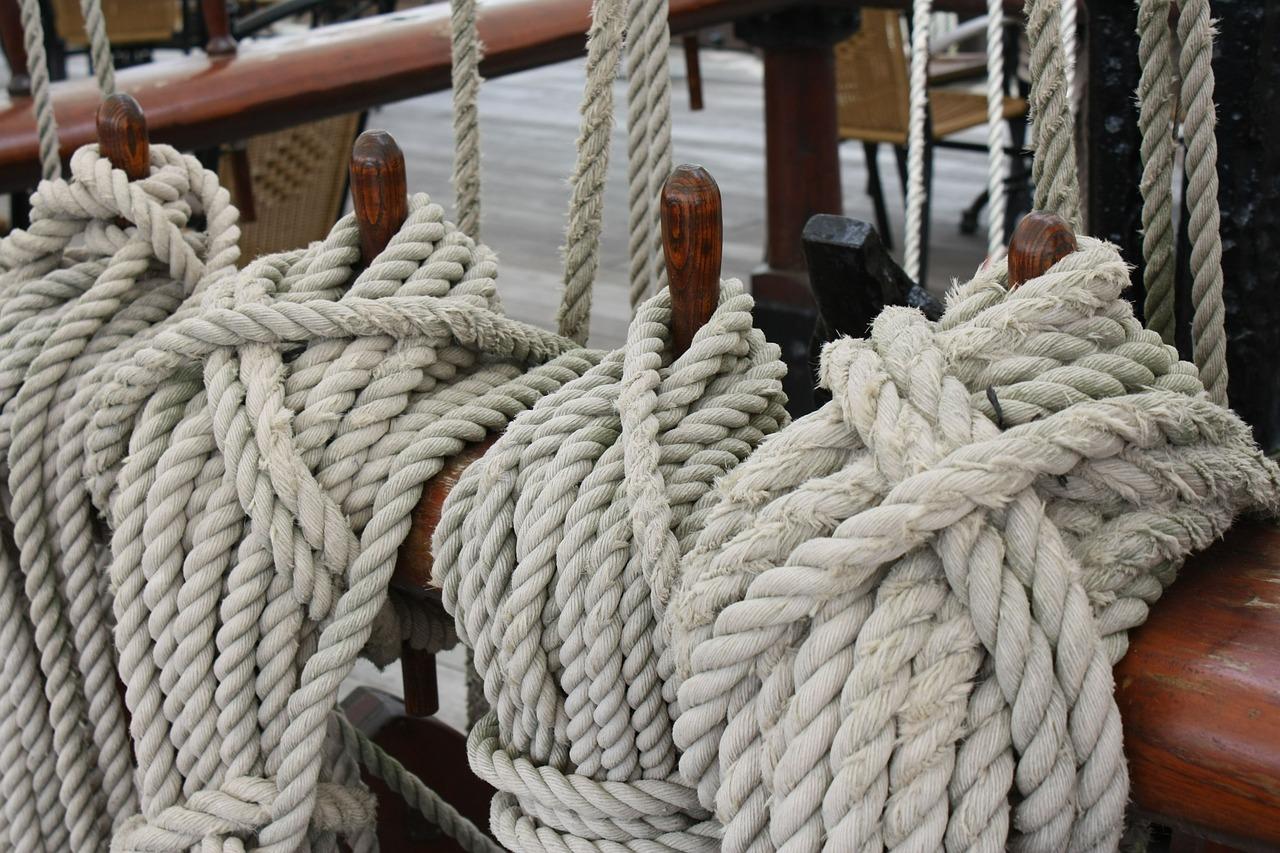 In der Schifffahrt werden schon seit Jahrtausenden Hanfseile eingesetzt.