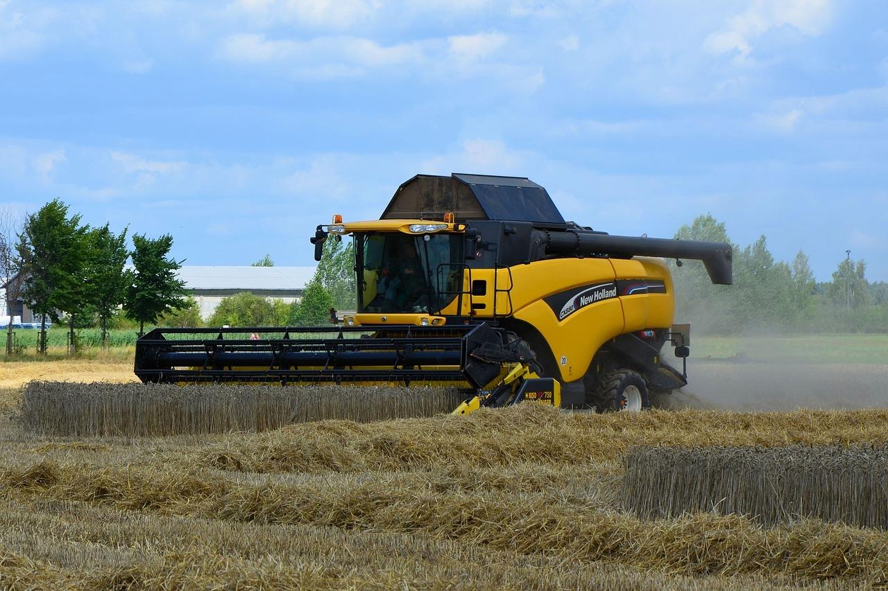 Konventionelle Erntemaschinen müssen umgebaut und produziert werden.