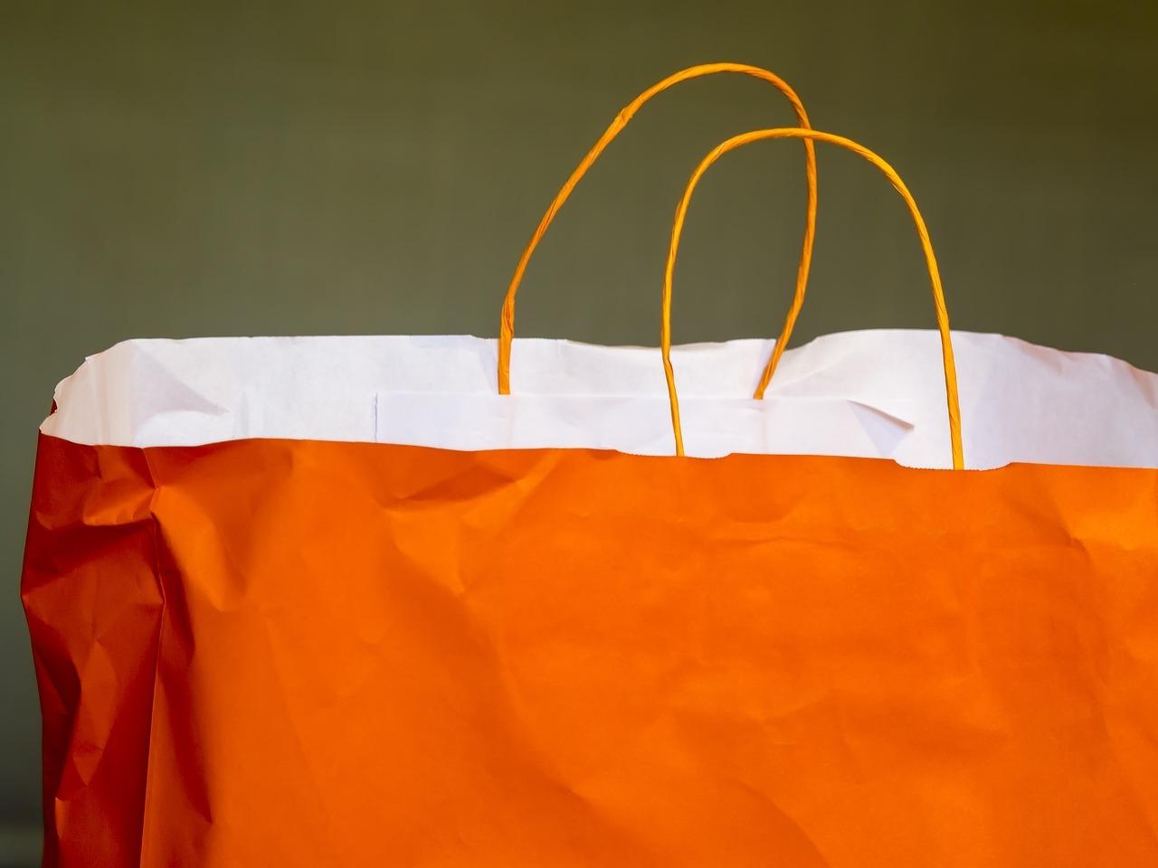 Kurzlebig und ein hoher Energie- und Wasserverbrauch bei der Herstellung – Papiertüten sind keine gute Alternative zu Plastik.