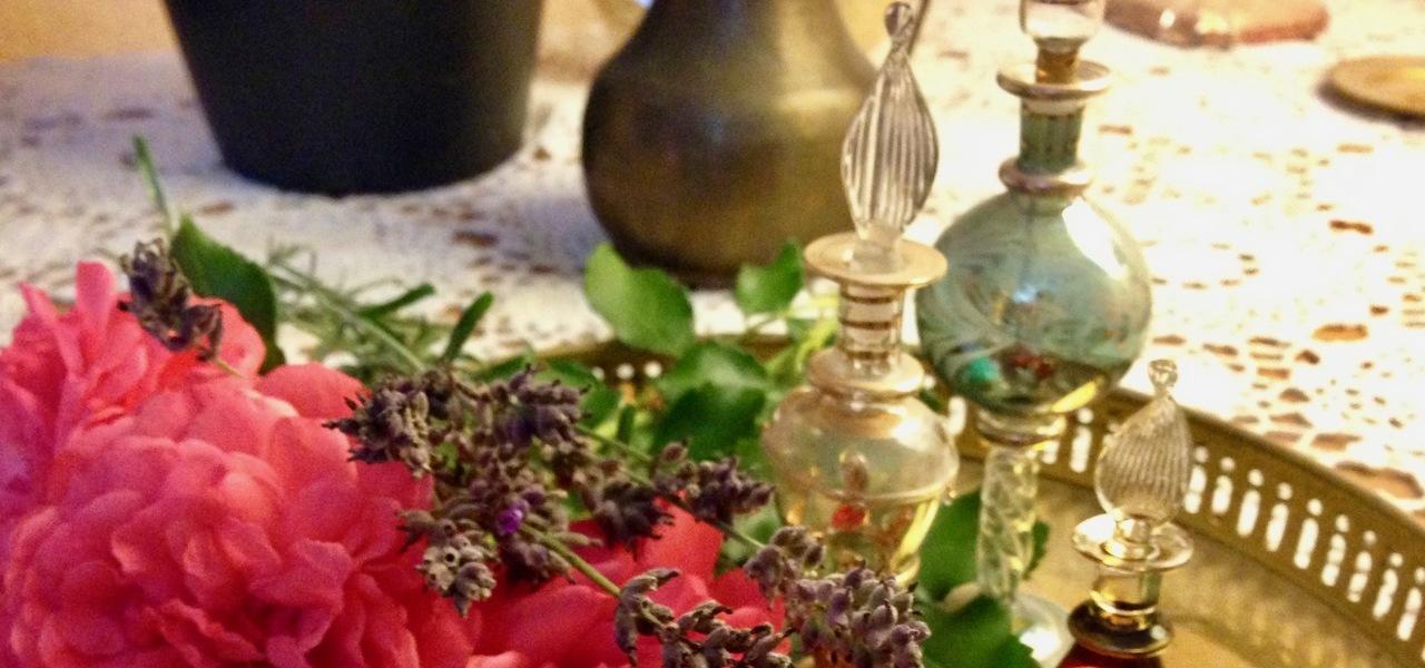 parfum selber machen so stellst du deinen eigenen duft her. Black Bedroom Furniture Sets. Home Design Ideas