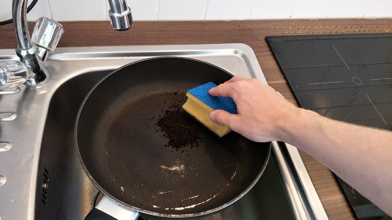 Putzen mit Kaffeesatz