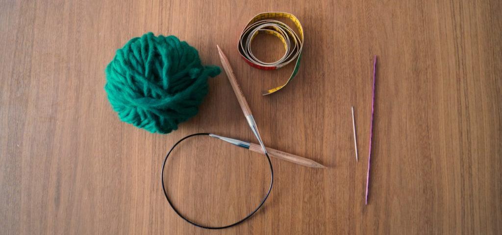 Weihnachtsgeschenke selber basteln: Die Materialien zum Stirnband stricken