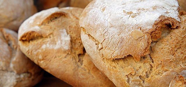 Brot lässt sich auch einfrieren, ohne unnötigen Müll zu produzieren.