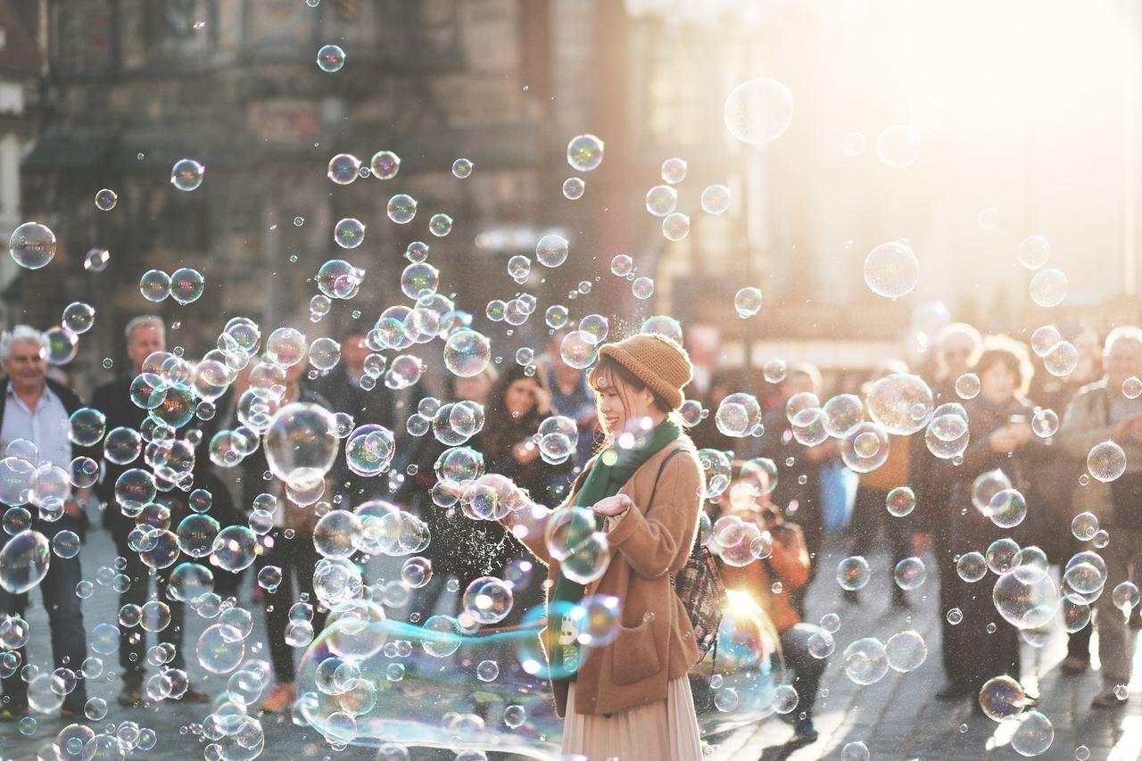 Die Wirdrigkeiten des Lebens sind für resiliente Menschen fasst wie Seifenblasen - sie hinterlassen keinen bleibenden Schaden.