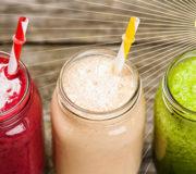 Gesunde Ernährung Smoothies mit Heiligen Schein