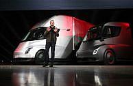 Tesla stellt Elektro-LKW vor – und hat eine Überraschung