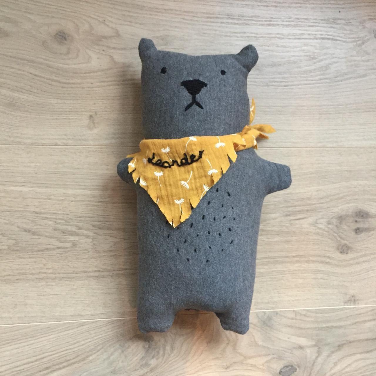 Upcycling: Teddy aus Pullover