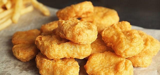 Chicken Nuggets: Ausbeutung für Edeka- und Netto-Produkte