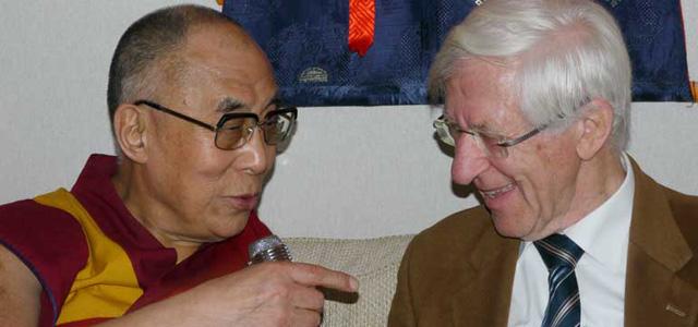 Der Dalai Lama Im Interview Wir Brauchen Mehr Herzensbildung