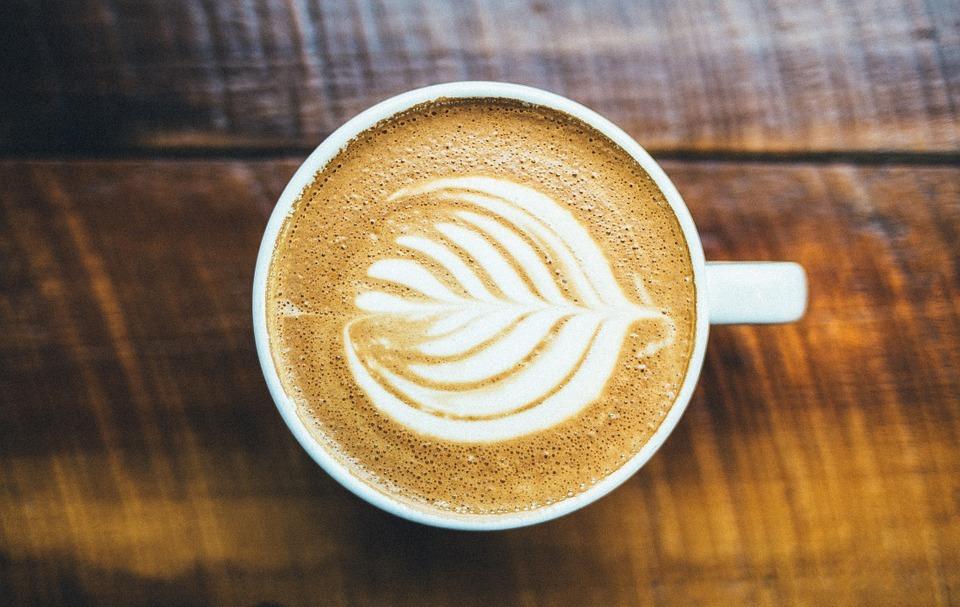 Jeder Deutsche trinkt im Schnitt fast einen halben Liter Kaffee pro Tag.