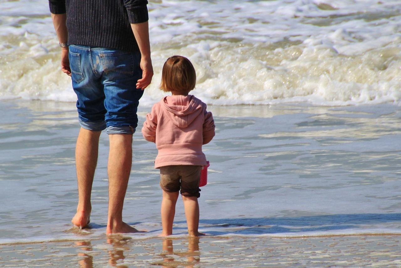 Kinder freuen sich besonders wenn wir ihnen unsere Zeit schenken.