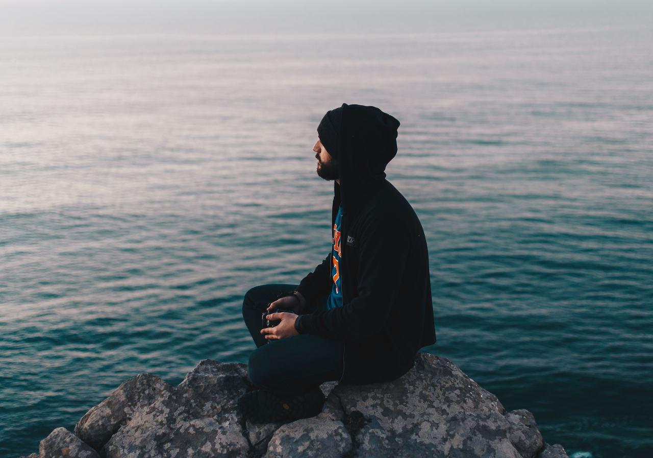 Meditation kann positives Denken fördern.