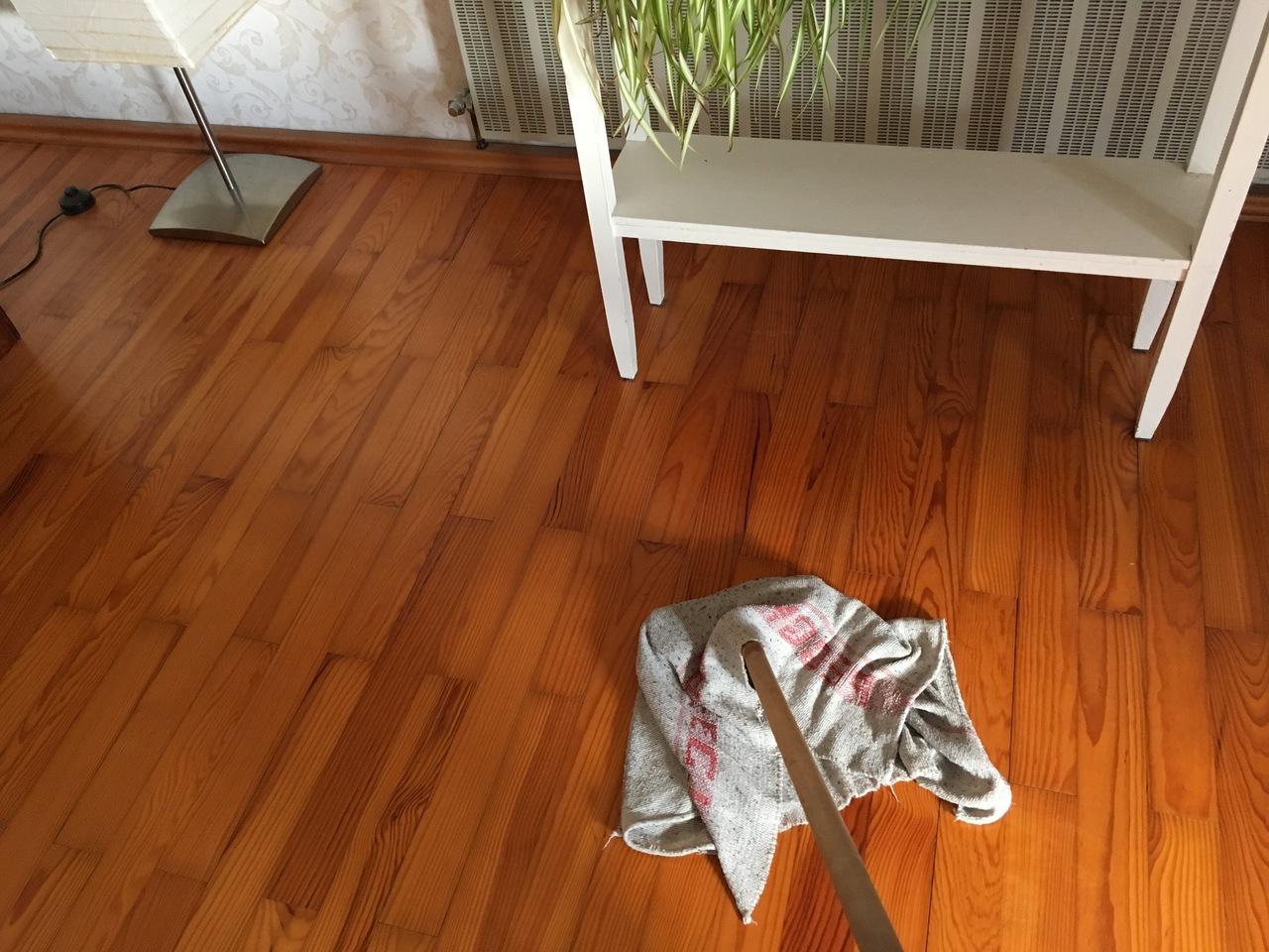 Fußboden Richtig Wischen ~ Boden wischen reinigungsmittel und tipps für jeden bodenbelag